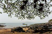 SIERRA LEONE, boat trip along the coast of atlantic ocean from river No. 2 to Tombo, Banana Island