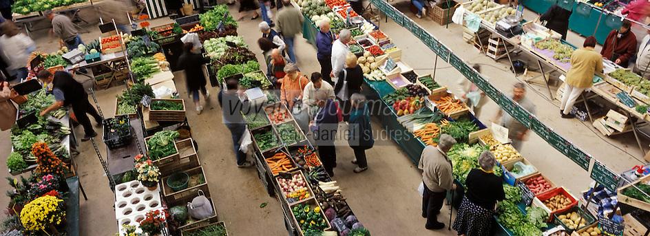 Europe/France/89/Bourgogne/Yonne/Sens: Le marché couvert: détail des étals de primeurs