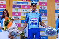 LA UNION - COLOMBIA, 16-02-2019: LA UNION - COLOMBIA, 16-02-2019: Julian ALAPHILIPPE (FRA), Deceuninck - Quick Step Floors, celebra como ganador de la quinta etapa del Tour Colombia 2.1 2019 con un recorrido de 176.8 Km, que se corrió con salida y llegada en La Union, Antioquia. / Julian ALAPHILIPPE (FRA), Deceuninck - Quick Step Floors, celebrates as winner of the fifth stage of 176.8 km of Tour Colombia 2.1 2019 that ran with start and arrival in La Union, Antioquia.  Photo: VizzorImage / Eder Garces / Fedeciclismo Prensa / Cont.  Photo: VizzorImage / Eder Garces / Fedeciclismo Prensa / Cont
