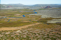 Landbrot eyðibýli i forgrunni. Ný brú yfir Haffjarðará, séð til norðvesturs, Borgarbyggð áður Koilbeinsstaðahreppur /  Landbrot deserted farm. New bridge over Haffjardara river, viewing northwest. Borgarbyggd former Kolbeinsstaðahreppur