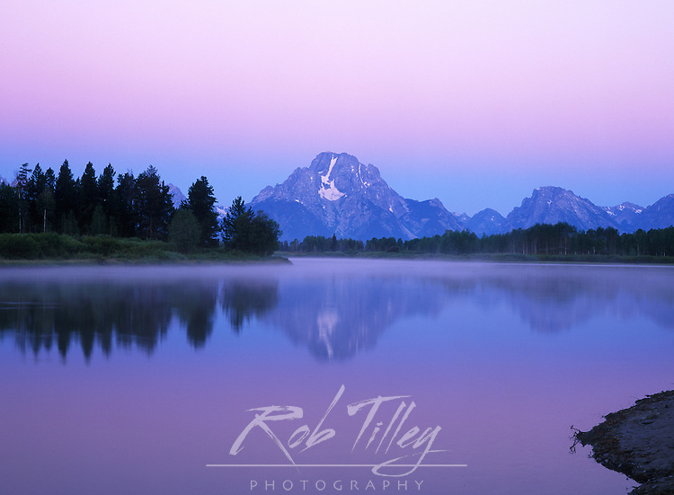 USA, Wyoming, Grand Teton NP, Mt. Moran at Dawn From the Oxbow Bend in the Snake River