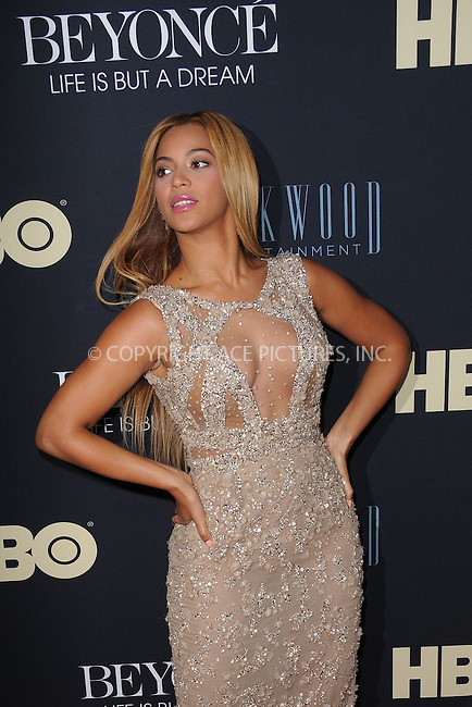 WWW.ACEPIXS.COM . . . . . .February 12, 2013...New York City....Beyonce arrives at 'Beyonce: Life Is But A Dream' New York Premiere at Ziegfeld Theater on February 12, 2013 in New York City ....Please byline: KRISTIN CALLAHAN - ACEPIXS.COM.. . . . . . ..Ace Pictures, Inc: ..tel: (212) 243 8787 or (646) 769 0430..e-mail: info@acepixs.com..web: http://www.acepixs.com .