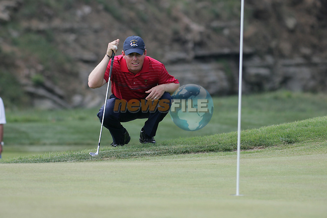 Hunter Mahon eyeing up his ball on the 8th during the final round of Single Matches at The 37th Ryder cup from Valhalla Golf Club in Louisville, Kentucky....Photo: Fran Caffrey/www.golffile.ie.