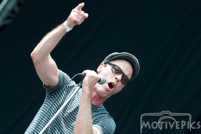 Fitz & the Tantrums playing Kanrocksas on the Main Stage.