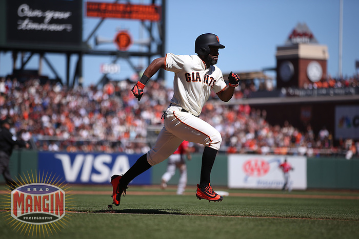 SAN FRANCISCO, CA - JULY 31:  Denard Span #2 of the San Francisco Giants runs the bases against the Washington Nationals during the game at AT&T Park on Sunday, July 31, 2016 in San Francisco, California. Photo by Brad Mangin