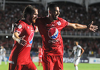 CALI - COLOMBIA, 31-01-2019: Fernando Aristeguieta (Izq) del América de Cali celebra después de anotar el segundo gol de su equipo partido por la fecha 2 de la Liga Águila II 2018 entre América de Cali y Deportes Tolima jugado en el estadio Pascual Guerrero de la ciudad de Cali. / Fernando Aristeguieta (L) of America de Cali celebrates after scoring the second goal of his team during match for the date 2 of the Aguila League II 2018 between America Cali and Deportes Tolima played at Pascual Guerrero stadium in Cali. Photo: VizzorImage / Nelson Rios / Cont