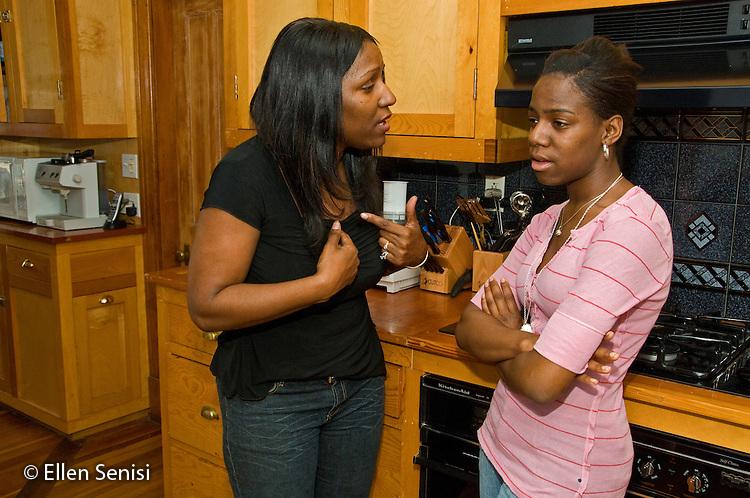 MR / Schenectady, New York.Mother (40, African American) and teenaged daughter (17, African American) argue..MR: Law5 Wil33.© Ellen B. Senisi