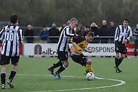 VOETBAL: GROU: Sportpark Meinga, 04-11-2012, GAVC - St. Annaparochie, Zondag 2e Klasse K, Einduitslag 1-1, Stefan Banning (#3 | St. Anna), Sander van Remmen (#9 | GAVC), ©foto Martin de Jong