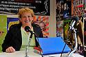 21/10/11 - EBREUIL - ALLIER - FRANCE - Portrait d Evelyne DEBOURG, cantiniere et conseillere en nutrition - Photo Jerome CHABANNE