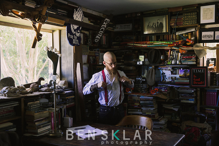 Jeff Hood in Denton Texas.<br /> <br /> Ben Sklar for GQ Rev. Jeff Hood in Fort Worth, Texas