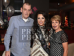 Edel Healy celebrating her 21st birthday in Brú with parents Joe and Martina. Photo:Colin Bell/pressphotos.ie