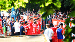 27.06.2020, Stadion an der Wuhlheide, Berlin, GER, DFL, 1.FBL, 1.FC UNION BERLIN  VS. Fortuna Duesseldorf , <br /> DFL  regulations prohibit any use of photographs as image sequences and/or quasi-video<br /> im Bild Unionfans (1.FC Union Berlin) und Union-Spieler am Zaun<br /> <br /> <br />      <br /> Foto © nordphoto / Engler
