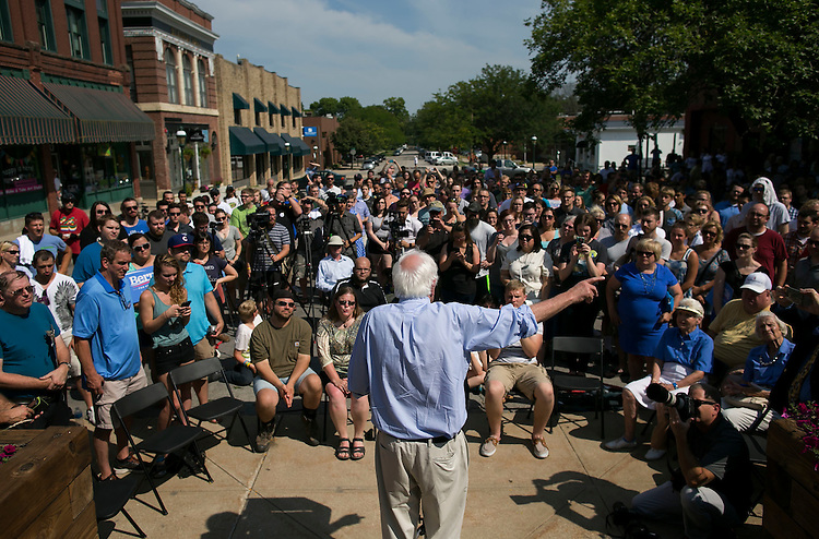 UNITED STATES - August 16: Sen. Bernie Sanders, D-Vt., speaks at the Cedar Rapids Field Headquarters Opening in Marion, Iowa, on Sunday, August 16, 2015. (Photo By Al Drago/CQ Roll Call)
