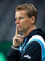 03-05-10, Zoetermeer, SilverDome, Tennis, Training Davis Cup, Captain Jan Siemerink