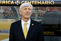 SANTA CLARA - UNITED STATES, 03-06-2016: Jose Pekerman técnico de Colombia gesticula durante el encuentro entre Estados Unidos (USA) y Colombia (COL) en el Levi's Stadium como parte de la Copa América Centenario 2016 que se realiza en Estados Unidos. / Jose Pekerman coach of Colombia gestures during the match between United States (USA) and Colombia (COL) at  Levi's Stadium as part of Copa America Centenario 2016 held in United States. Photo: VizzorImage/ Luis Alvarez /Str