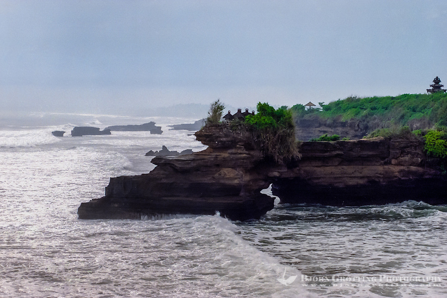 Bali, Tabanan, Tanah Lot. Pura Batu Balong close by.
