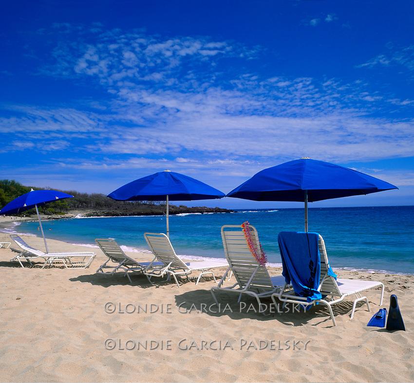 Hulopoe Bay, south shore, Lana'i Island, Hawaii.Manele Bay Resort beach