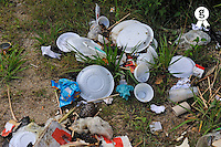 Food and plastic rubbish on grass (Licence this image exclusively with Getty: http://www.gettyimages.com/detail/83154198 )