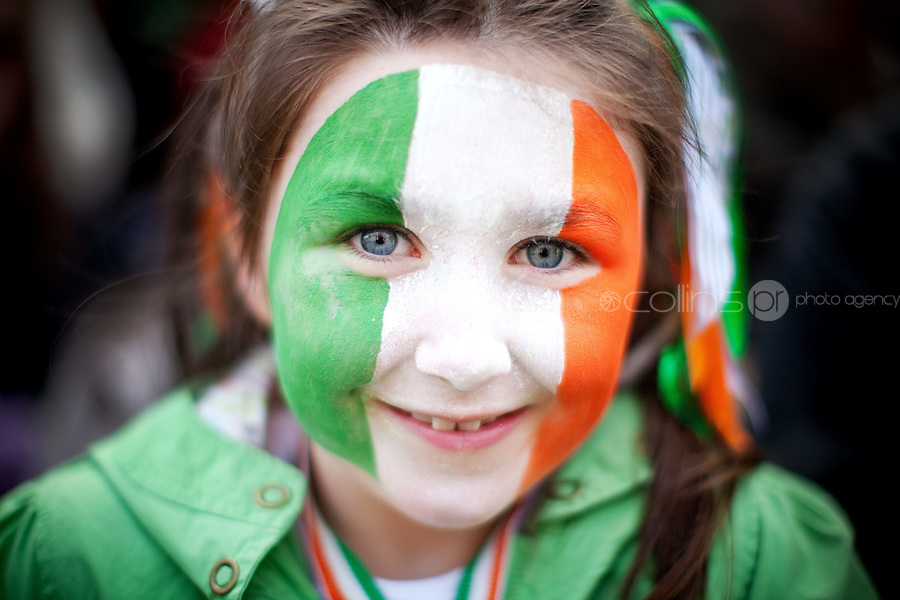 17/3/2011. ST PATRICKS DAY DUBLIN. 6 yr old Gillian Brommell is pictured on College Green enjoying the Dublin St Patricks Day Parade. Picture James Horan/Collins Photos