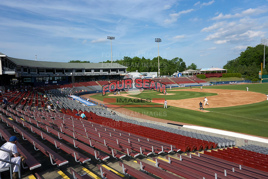 General view of the Hartford Yard Goats first game of a doubleheader against the Trenton Thunder on June 1, 2016 at Sen. Thomas J. Dodd Memorial Stadium in Norwich, Connecticut.  Trenton defeated Hartford 4-2.  (Mike Janes/Four Seam Images)