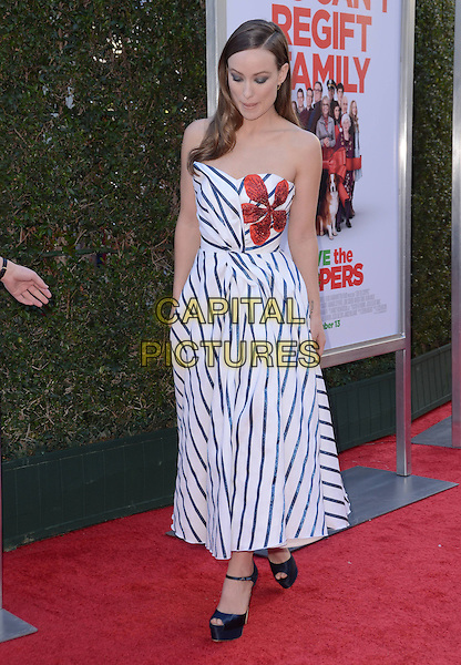 13 November - Los Angeles, Ca - Olivia Wilde. Arrivals for the Los Angeles premiere of &quot;Love the Coopers&quot; held at The Grove.   <br /> CAP/ADM/BT<br /> &copy;BT/ADM/Capital Pictures