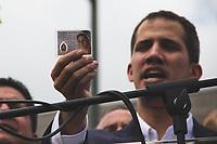 CARACAS - VENEZUELA, 04-03-2019:  Juan Guaidó, presidente interino de Venezuela, muestra una imagen de la virgen maría a si arribo a la nación a través del aeropuerto internacional de Maiquetía este 4 de marzo. En caravana se trasladó hasta la plaza Alfredo Sadel en Las Mercedes, donde cientos de manifestantes lo esperaban. Allí agradeció a su esposa por acompañarlo durante la travesía, y enfatizó que los militares no cumplieron la orden de detenerlo. Es una operación secreta Guaidó logró viajar de Panamá a Venezuela sin inconvenientes. / Juan Guaidó, interim president of Venezuela, shows a stam of the virgin Maria after he arrived to the nation through the Maiquetia international airport on March 4. In caravan, he moved to Alfredo Sadel Square in Las Mercedes, Caracas, where hundreds of protesters were waiting for him. There he thanked his wife for accompanying him during the crossing, and emphasized that the military did not comply with the order to arrest him. It is a secret operation. Guaido travel from Panama to Venezuela without problems. Photo: VizzorImage / Carolain Caraballo / Cont