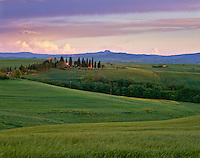 Tuscany; Italy; Italian; Val d'Orcia; Europe; landscape; scenic; travel; Pienza; bench; restaurant; osteria; square; piazza; hilltown; village