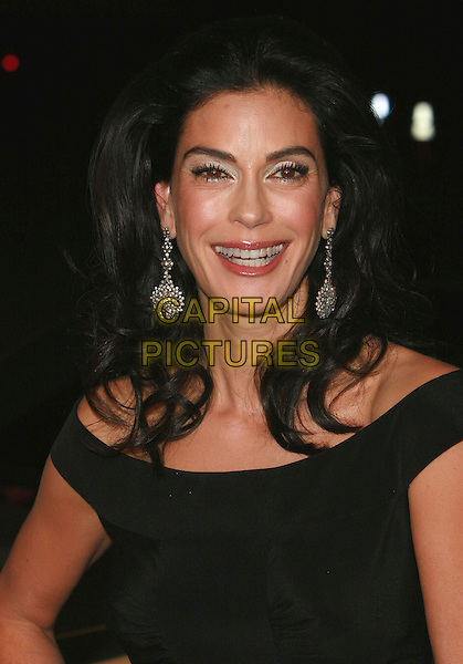 """TERI HATCHER.""""Dreamgirls"""" - Los Angeles Premiere,.at the Wilshire Theatre, Beverly Hills, California, .USA, December 11th 2006..portrait headshot.CAP/ADM/CH.©Charles Harris/Admedia/Capital Pictures"""