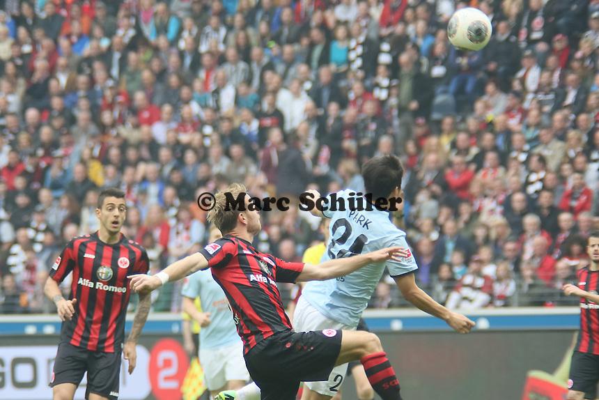 Joo-Ho Park (Mainz) gegen Stefan Aigner (Eintracht) - Eintracht Frankfurt vs. 1. FSV Mainz 05