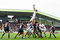 Luke Charteris of Bath Rugby wins the ball at a lineout. Aviva Premiership match, between Leicester Tigers and Bath Rugby on September 3, 2017 at Welford Road in Leicester, England. Photo by: Patrick Khachfe / Onside Images