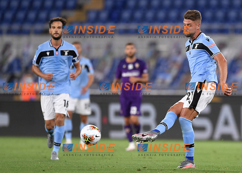Sergej Milinkovic-Savic of SS Lazio in action during the Serie A football match between SS Lazio and ACF Fiorentina at stadio Olimpico in Roma ( Italy ), June 27th, 2020. Play resumes behind closed doors following the outbreak of the coronavirus disease. Photo Antonietta Baldassarre / Insidefoto
