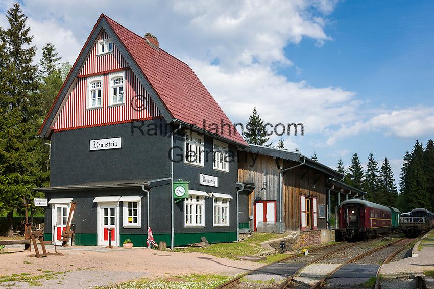 Germany, Thuringia, near Schmiedefeld am Rennsteig: station Rennsteig | Deutschland, Thueringen, bei Schmiedefeld am Rennsteig: Bahnhof Rennsteig der Rennsteigbahn