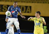 BOGOTA - COLOMBIA, 03-02-2019: Luis Payares de Millonarios disputa el balón con Sergio Romero de Bucaramanga durante partido por la fecha 3 de la Liga Águila I 2019 entre Millonarios y Atlético Bucaramanga jugado en el estadio Nemesio Camacho El Campin de la ciudad de Bogotá. / Luis Payares of Millonarios fights for the ball with Sergio Romero of Bucaramanga during match for the date 3 of the Liga Aguila I 2019 between Millonarios and Atletico Bucaramanga played at the Nemesio Camacho El Campin Stadium in Bogota city. Photo: VizzorImage / Gabriel Aponte / Staff.