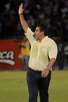 BARRANQUIILLA -COLOMBIA-15-08-2015. Santiago Edcobar técnico de Àguilas Doradas gesticula durante partido contra Atlético Junior por la fecha 6 de la Liga Águila II 2015 jugado en el estadio Metropolitano Roberto Meléndez de la ciudad de Barranquilla./ Santiago Escobar coach of La Equidad FC gestures during match  against  Atletico Junior for the 6th  date of the Aguila League II 2015 played at Metropolitano Roberto Melendez stadium in Barranquilla city.  Photo: VizzorImage/ Alfonso Cervantes /