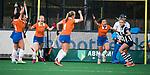 BLOEMENDAAL  - Hockey -  finale KNHB Gold Cup dames, Bloemendaal-HDM (1-1). Bloemendaal wint na shoot outs. Anna OFlanagan (Bldaal) heeft gescoord.   COPYRIGHT KOEN SUYK