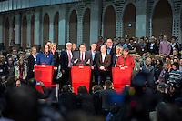 Die SPD-Generalsekret&auml;rin Andrea Nahles, der SPD-Bundesvorsitzende Sigmar Gabriel und die SPD-Schatzmeisterin Barbara Hendricks geben am Samstag (14.12.13) in Berlin das Ergebnis des SPD Mitgliederentscheids zur Gro&szlig;en Koalition mit der CDU/CSU bekannt. Die Mehrheit der SPD-Mitglieder sprach sich f&uuml;r eine Gro&szlig;e Koalition aus.<br /> Foto: Axel Schmidt/CommonLens<br /> <br /> Berlin, Germany, politics, Deutschland, 2013, Groko, Koalition, SPD, Mitglieder, Basis, Mitgliederbefragung, Befragung, Mitgliederentscheid, Entscheid, Mitgliedervotum, Votum, Ausz&auml;hlung