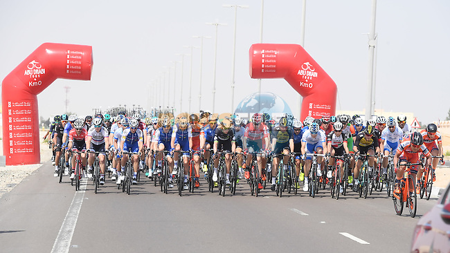 The start of Stage 1 Emirates Motor Company Stage of the 2017 Abu Dhabi Tour, running 189km from Madinat Zayed through the desert and back to Madinat Zayed, Abu Dhabi. 23rd February 2017<br /> Picture: ANSA/Matteo Bazzi | Newsfile<br /> <br /> <br /> All photos usage must carry mandatory copyright credit (&copy; Newsfile | ANSA)