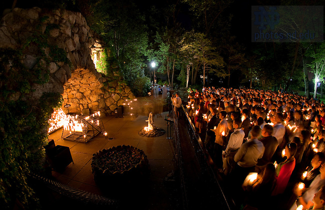 May 19, 2011; Senior last visit to the Grotto..Photo by Matt Cashore/University of Notre Dame