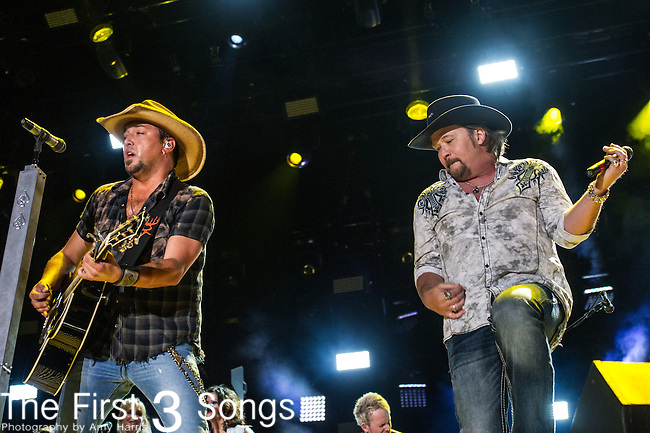 Jason Aldean and Travis Tritt