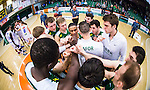 S&ouml;dert&auml;lje 2014-03-25 Basket SM-kvartsfinal 1 S&ouml;dert&auml;lje Kings - J&auml;mtland Basket :  <br /> S&ouml;dert&auml;lje Kings spelare smalas i en ring efter matchen och knyter n&auml;varna<br /> (Foto: Kenta J&ouml;nsson) Nyckelord:  S&ouml;dert&auml;lje Kings SBBK J&auml;mtland Basket SM Kvartsfinal Kvart T&auml;ljehallen jubel gl&auml;dje lycka glad happy