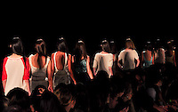 RIO DE JANEIRO, RJ, 24 MAIO 2012  - FASHION RIO - COVEN  - Desfile da grife Coven durante a 21ª edição do Fashion Rio Verão 2013, realizado no Jockey Club, na Gávea, zona sul do Rio de Janeiro, nesta quinta-feira (24). FOTO: STHEFANIE SARAMAGO - BRAZIL PHOTO PRESS.