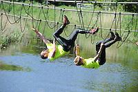 SPORT: DE KNIPE: Survival, 02-06-2013, categorie RUC 1, Ronny ter Horst (#5) Dinxperlo en winnaar Joris Domhof (#4) Delft, ©foto Martin de Jong