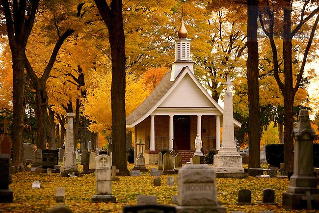 Nov. 3, 2005; Cedar Grove Cemetery..Photo by Matt Cashore..