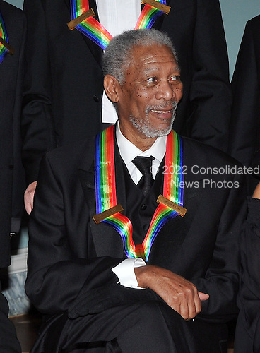 Washington, DC - December 6, 2008 -- Morgan Freeman poses for the formal group photo following the Artist's Dinner at the United States Department of State in Washington, D.C. on Saturday, December 6, 2008 to honor 2008 recipients of the Kennedy Center Honors..Credit: Ron Sachs - Pool via CNP
