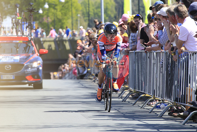 Grega Bole (SLO) Nippo-Vini Fantini in action during Stage 1 of the 2016 Giro d'Italia, an individual time trial of 9.8km around Apeldoorn, The Nethrerlands. 6th May 2016.<br /> Picture: Eoin Clarke | Newsfile<br /> <br /> <br /> All photos usage must carry mandatory copyright credit (&copy; Newsfile | Eoin Clarke)