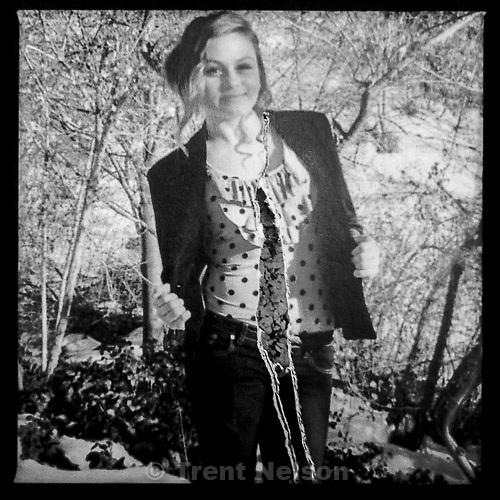 missing girl Francesca Swenson flier
