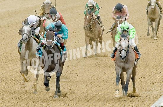 Wishfulthinkin Gal winning at Delaware Park on 7/21/12