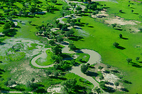 CHAD, Guéra,  aerial view  of river and pasture during raining season / TSCHAD , Luftaufnahme waehrend der Regenzeit, gruene Weiden