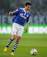 FUSSBALL   1. BUNDESLIGA   SAISON 2011/2012   20. SPIELTAG FC Schalke 04 - FSV Mainz 05                                  04.02.2012 Ciprian Marica (FC Schalke 04) Einzelaktion am Ball