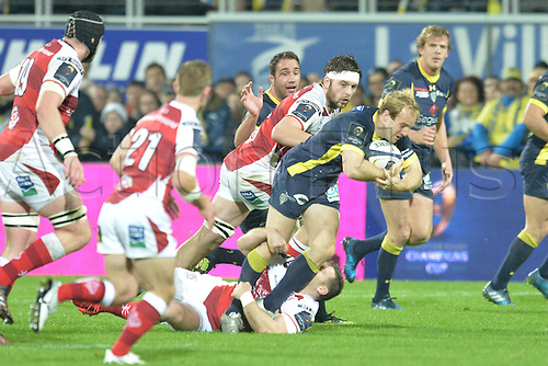18.12.2016. Stade Marcel Michelin, Clermont-Ferrand, France. European Champions Cup Rugby. Clermont Auvergne versus Ulster.  Nike Abendanon (asm)  is borught down on his run